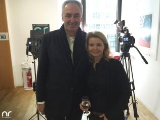 Netzreporter-Möglichmacher Rüdiger Pichler von der Hochschule RheinMain zusammen mit Schauspielerin Annette Frier.