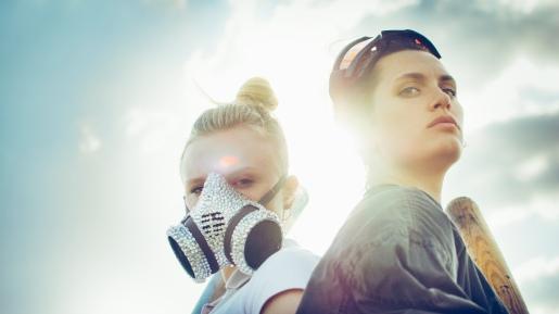 Maria Dragus und Ella Rumpf in Tiger Girl, Regie: Jakob Lass © 2017 Constantin Film Verleih GmbH / Fogma